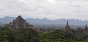 Dhammaget Temple (left)