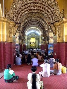 Cascading archways leading to the Mahamuni Buddha