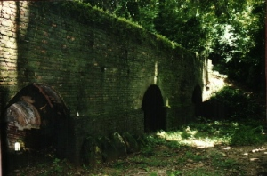 Meditation tunnels - Wat U Mong