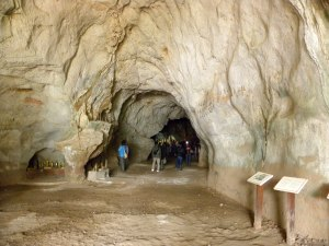Inside Tham Theung
