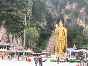 Lord Muruga Statue and stairway into Batu Caves